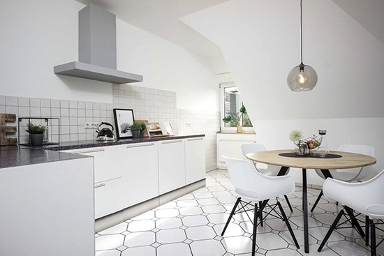 Home Staging 360 mit cubiqz basic Pappküche mit Anthrazit Arbeitsblatt