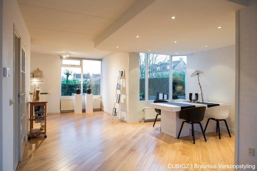 23. Home Staging mit CUBIQZ Pappmöbeln; Doppelter Esstisch